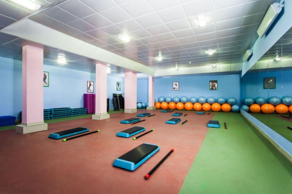 Фитнес-клубы для подростков лет , взрослых.
